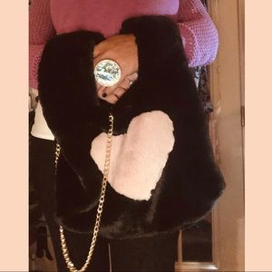 Faux Fur Arm Warmer Heart Bag